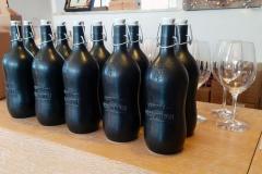 bottiglie-nero-opaco-con-birra